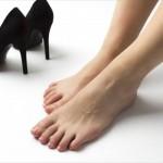 妊娠初期の頃からヒールはダメ…はうそ?おすすめの靴とは?