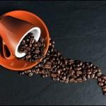 母乳育児で心配なカフェインの影響!大好きなコーヒー飲んでいいの?