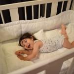 1歳になったらベッド?布団?~赤ちゃんの安全快適な睡眠環境とは~