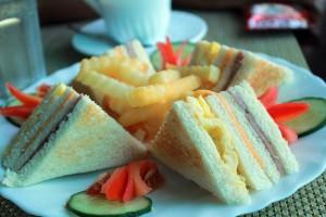 clubhouse-sandwich-1369061489ubK