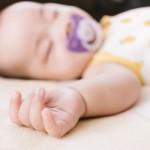 新生児が起きない!授乳間隔はどうすれば?起こさなきゃダメ?