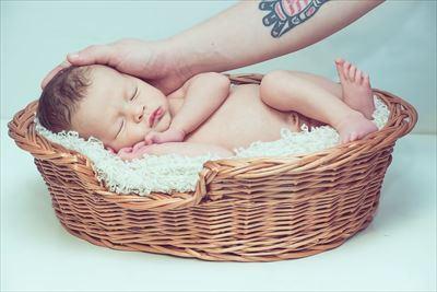 赤ちゃんとタトゥー_R
