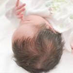 母乳で赤ちゃんがむせる原因とむせにくい授乳の姿勢や方法とは?